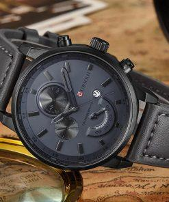 תמונה של שעונים לגברים עם רצועת סיליקון שחורה