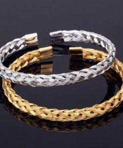 תמונה של צמידים לגברים בצבע זהב וכסף