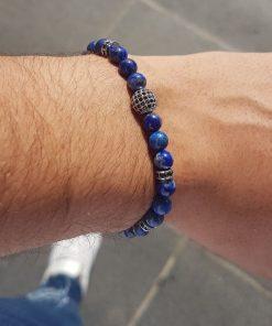 תמונה של צמיד חרוזים לגבר בצבע כחול