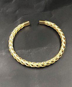 תמונה של צמידים לגבר עשוי פלדת אל חלד בצבע זהב