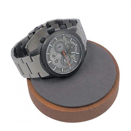 תמונה של שעון יוקרתי לגבר בצבע אפור