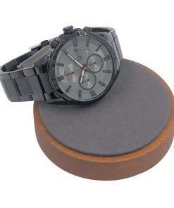 תמונה של שעון אלגנטי לגבר בסטייל מיוחד