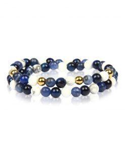 תמונה של צמיד חרוזים קטנים בצבע כחול ולבן