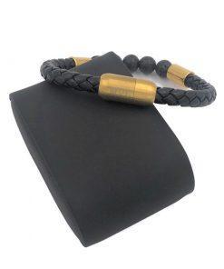 תמונה של צמיד עור לגברים בצבע שחור וזהב