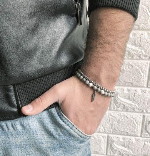 תמונה של דוגמן עם סט צמידים לגבר צמיד פלדה וצמיד אבני חן אפורות