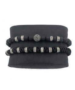 תמונה של צמידים לגברים בצבע שחור עם חרוזים מיוחדים