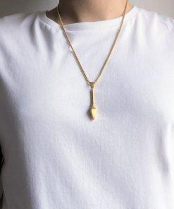 תמונה של שרשרת חנית זהב על דוגמן