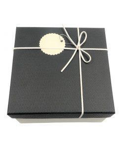 תמונה של מארז מתנה לבן בינוני